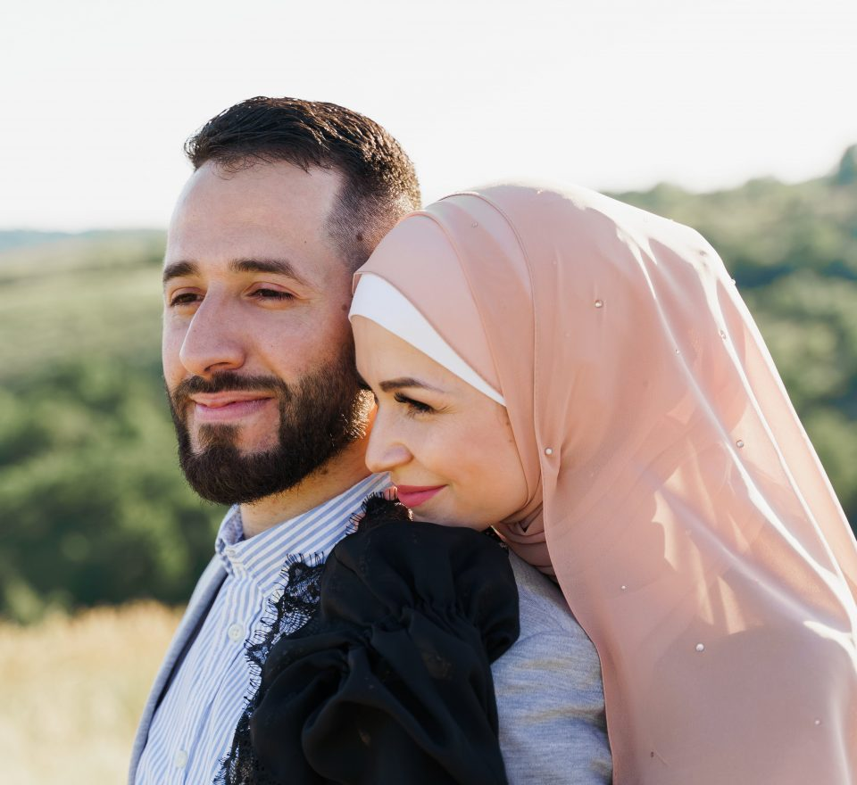 Canadian women create 'offline dating' service for Muslims looking for love